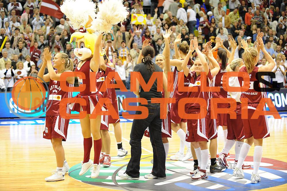 DESCRIZIONE : Liepaja Latvia Lettonia Eurobasket Women 2009 Ungheria Lettonia Hungary Latvia<br /> GIOCATORE : Team Latvia<br /> SQUADRA : Lettonia Latvia<br /> EVENTO : Eurobasket Women 2009 Campionati Europei Donne 2009 <br /> GARA : Ungheria Lettonia Hungary Latvia<br /> DATA : 08/06/2009 <br /> CATEGORIA : esultanza<br /> SPORT : Pallacanestro <br /> AUTORE : Agenzia Ciamillo-Castoria/M.Marchi<br /> Galleria : Eurobasket Women 2009 <br /> Fotonotizia : Liepaja Latvia Lettonia Eurobasket Women 2009 Ungheria Lettonia Hungary Latvia<br /> Predefinita :