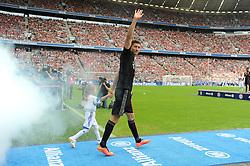 09.08.2014, Allianz Arena, Muenchen, GER, 1. FBL, FC Bayern München, Teampräsentation, im Bild Neuzugang Robert Lewandowski (FC Bayern Muenchen) bei seinem ersten Auftritt in der Allianz Arena. // during the Team Presentation of German Bundesliga Club FC Bayern Munich at the Allianz Arena in Muenchen, Germany on 2014/08/09. EXPA Pictures © 2014, PhotoCredit: EXPA/ Eibner-Pressefoto/ Stuetzle<br /> <br /> *****ATTENTION - OUT of GER*****