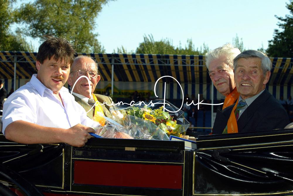 Florijn Arend, Herman en ferdinand Peters en Bep Bon,  fokkers vh jaar 2003<br />KWPN Paardendagen 2003<br />Photo &copy; Dirk Caremans