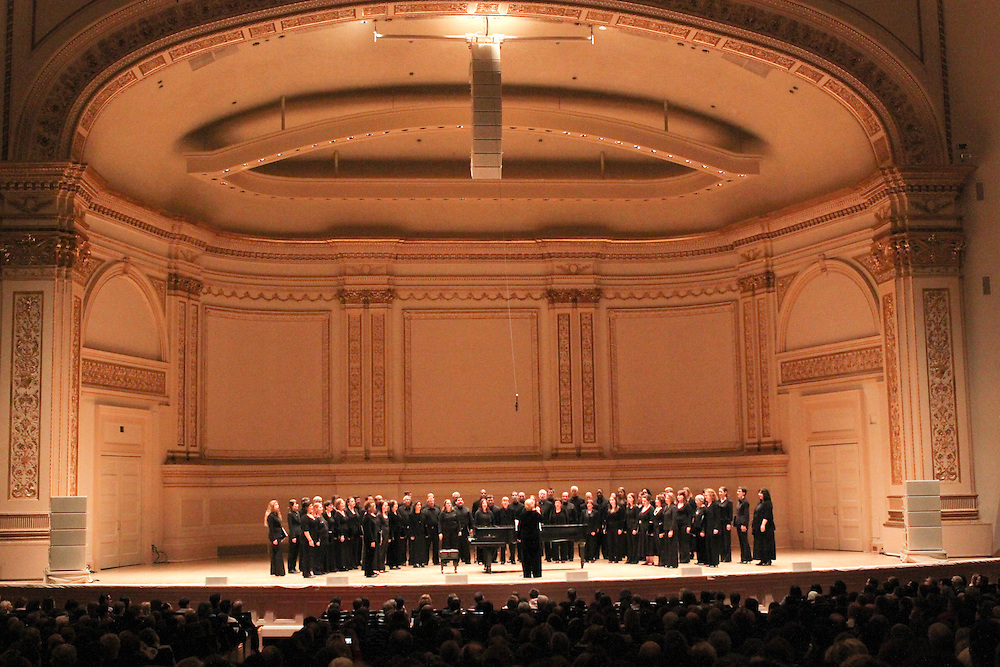 """NEW YORK - JANUARY 19:  """"A Tribute to Horowitz"""" presented by the American Cancer Society at Carnegie Hall on January 19, 2012 in New York City.  (Photo by Matthew Peyton) *** Local Caption *** Lola Astanova"""