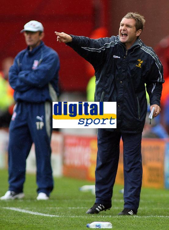 Photo: Paul Thomas.<br /> Stoke City v Norwich City. Coca Cola Championship. 28/10/2006.<br /> <br /> Peter Grant, Norwich manager.