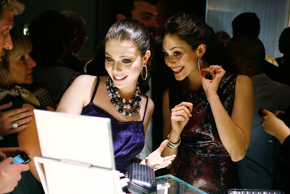 NEW YORK - MAY 06:  Actresses Michelle Trachtenberg (L) and Emmy Rossum attend the 30th Anniversary celebration cocktail reception with Rebirth of NYC Flagship hosted by David Yurman and in partnership with Memorial Sloan Kettering Cancer Center at David Yurman - The Townhouse on May 6, 2010 in New York City.  (Photo by Joe Kohen/WireImage for David Yurman)