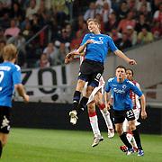 NLD/Amsterdam/20060823 - Ajax - FC Kopenhagen, kopbal Huntelaar en William Kvist