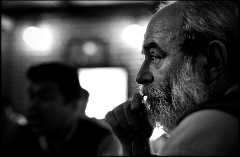 PORTRAITS / RETRATOS<br /> <br /> Ramon Grandal<br /> Fotografo Cubano<br /> Caracas - Venezuela 2001<br /> <br /> (Copyright &copy; Aaron Sosa)