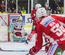 22.03.2019, Stadthalle, Klagenfurt, AUT, EBEL, EC KAC vs HCB Suedtirol Alperia, Viertelfinale, 5. Spiel, im Bild Jacob SMITH (HCB Suedtirol Alperia, #1), Matt NEAL (EC KAC, #50), Patrick HARAND (EC KAC, #16) // during the Erste Bank Icehockey 5th quarterfinal match between EC KAC and HCB Suedtirol Alperia at the Stadthalle in Klagenfurt, Austria on 2019/03/22. EXPA Pictures © 2019, PhotoCredit: EXPA/ Gert Steinthaler