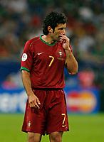 Photo: Glyn Thomas.<br />Portugal v Mexico. FIFA World Cup 2006. 21/06/2006.<br /> Portugal's Luis Figo.