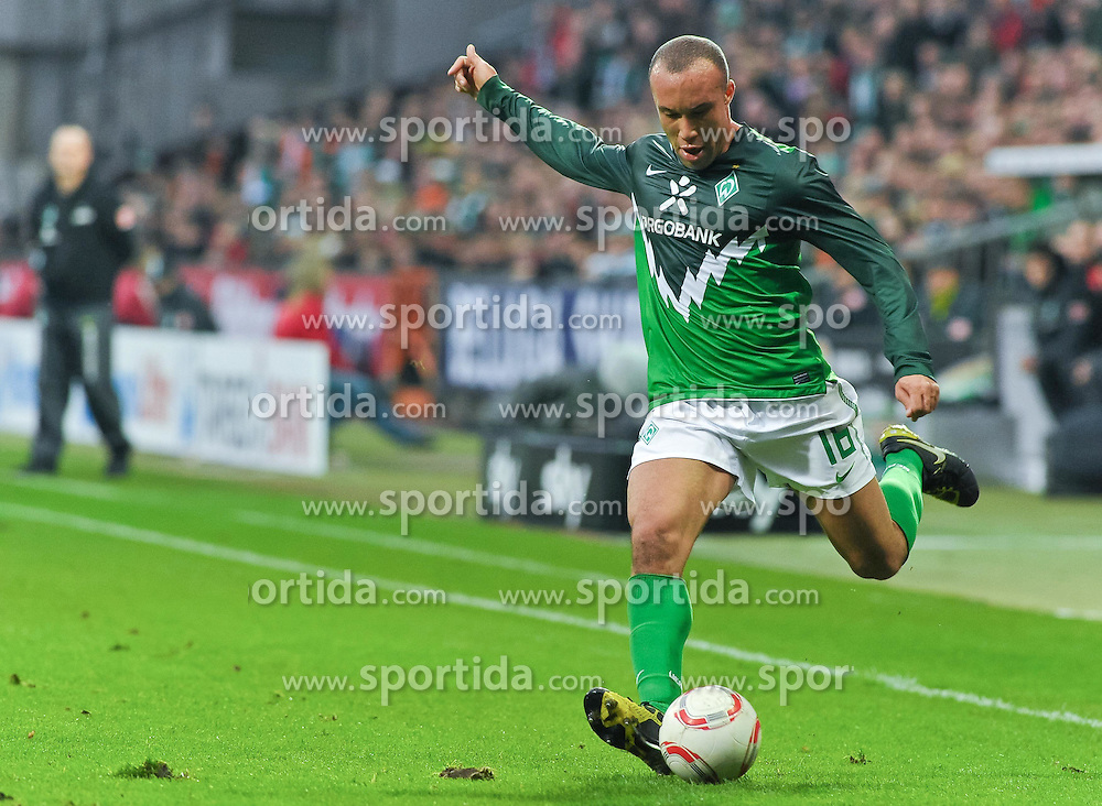 13.11.2010, Weserstadion, Bremen, GER, 1. FBL, Werder Bremen vs Eintracht Frankfurt, im Bild Mikaël Silvestre (Bremen #16)   EXPA Pictures © 2010, PhotoCredit: EXPA/ nph/  Frisch+++++ ATTENTION - OUT OF GER +++++