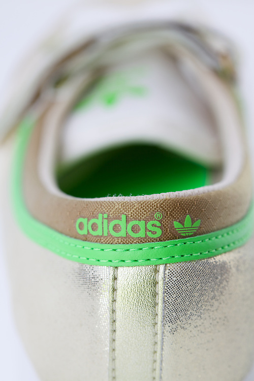 Adidas Sleek Series back