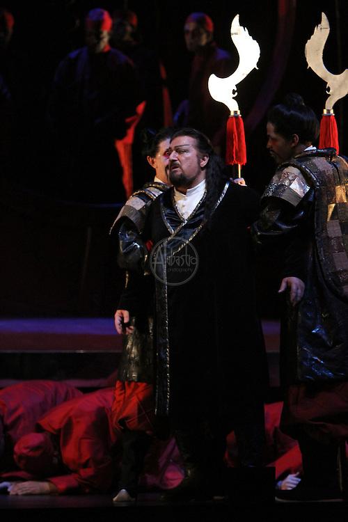 Seattle Opera Turandot. Antonello Palombi (Calaf).