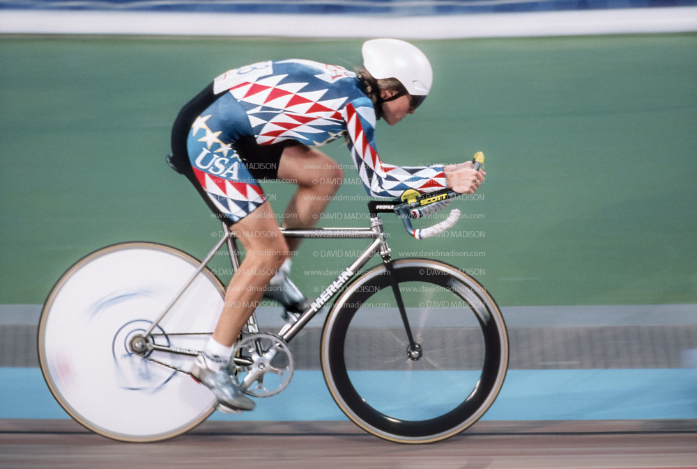 BARCELONA, SPAIN - JULY 30:  Rebecca Twigg of the United States rides in the 3000 meter Individual Pursuit event of the Cycling competition of the 1992 Olympics at the Velodrome d'Horta in Barcelona, Spain held from July 20-21, 1992.  Twigg was the bronze medalist in the event.   (Photograph by David Madison/Getty Images)