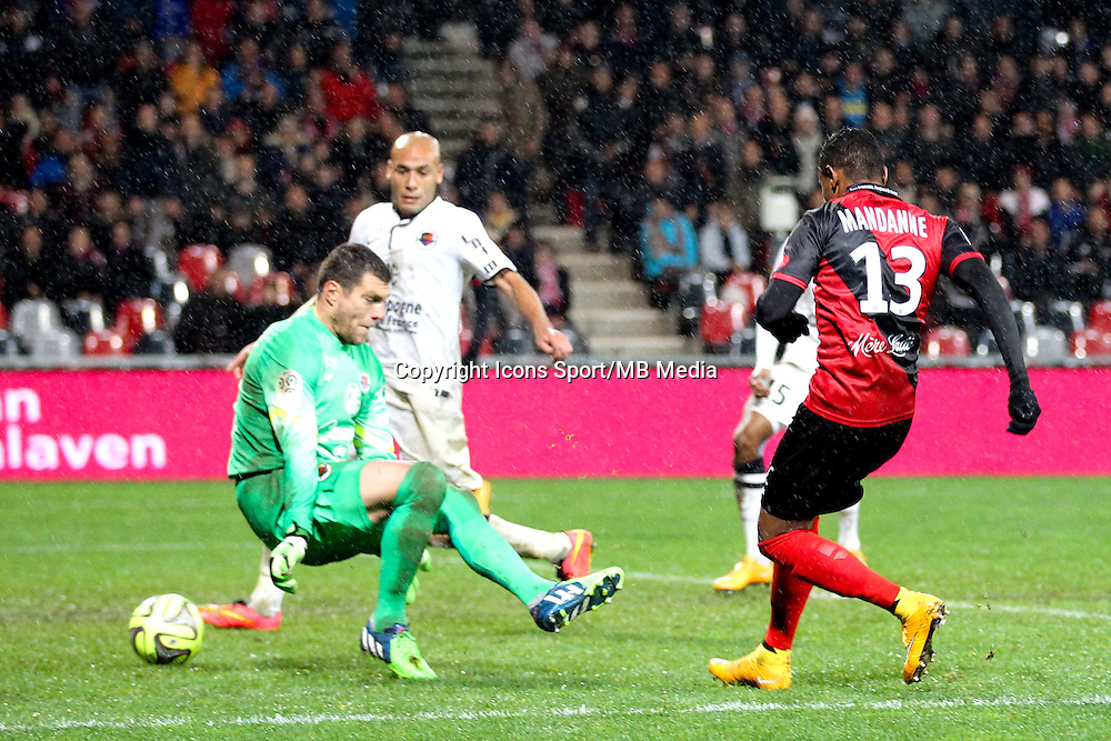 Goal Christophe MANDANNE - 03.12.2014 - Guingamp / Caen - 16eme journee de Ligue 1 <br />