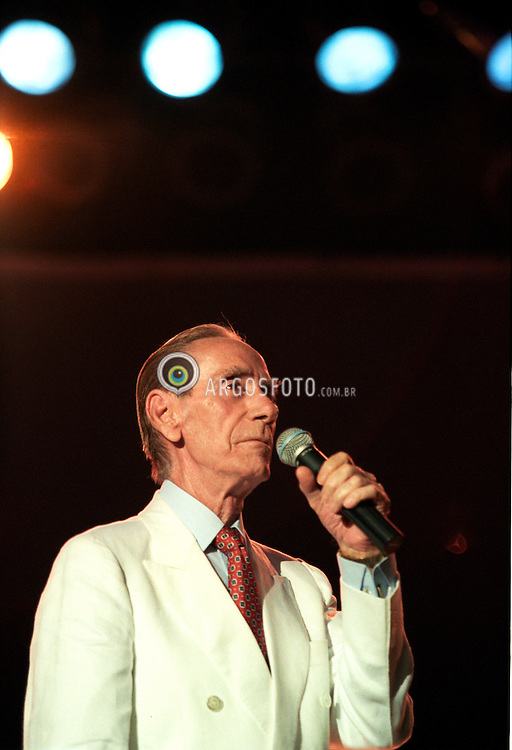 Sao Paulo, SP, Brasil   Nov/1997.Show em homenagem a Nelson Goncalves, com diversos artistas no Anhembi - Pavilhao Elis Regina./ Concert in honour to Nelson Goncalvez with various artists at Anhembi, Elis Regina Pavilion.Foto Marcos Issa/Argofoto