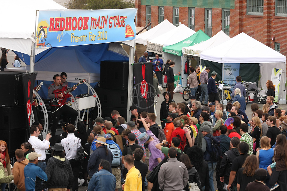 The Phenomenants from Oakland, CA (The Earth's Capital) on the Redhook Main Stage at the 2010 Fremont Fair.