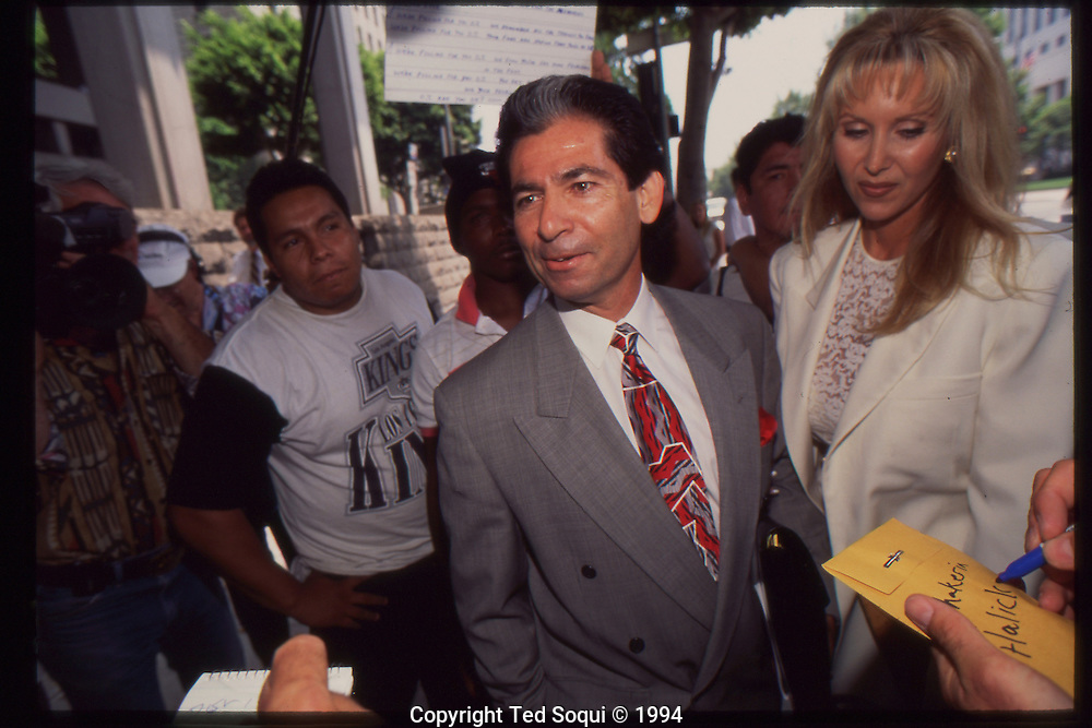 The OJ Simpson trial and media circus.<br /> Robert Kardashian and his fianc&eacute; Denise Halicki outside the Criminal Courthouse.