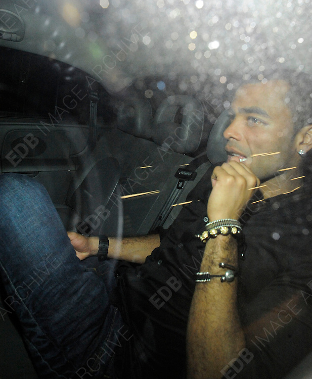 05.NOVEMBER.2011. LONDON<br /> <br /> ASHLEY COLE LEAVING THE PLAYBOY CLUB IN CENTRAL LONDON<br /> <br /> BYLINE: EDBIMAGEARCHIVE.COM<br /> <br /> *THIS IMAGE IS STRICTLY FOR UK NEWSPAPERS AND MAGAZINES ONLY*<br /> *FOR WORLD WIDE SALES AND WEB USE PLEASE CONTACT EDBIMAGEARCHIVE - 0208 954 5968*