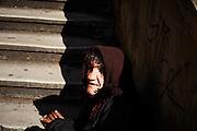 Mendicante in piazza del Popolo, Roma 28 marzo 2015.  Christian Mantuano / OneShot <br /> <br /> A beggar in Piazza del Popolo, Rome March 28, 2015. Christian Mantuano / OneShot