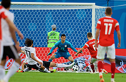 SAINT PETERSBURG, RUSSIA - Tuesday, June 19, 2018: Russia's Denis Cheryshev scores the second goal during the FIFA World Cup Russia 2018 Group A match between Russia and Egypt at the Saint Petersburg Stadium. (Pic by David Rawcliffe/Propaganda)