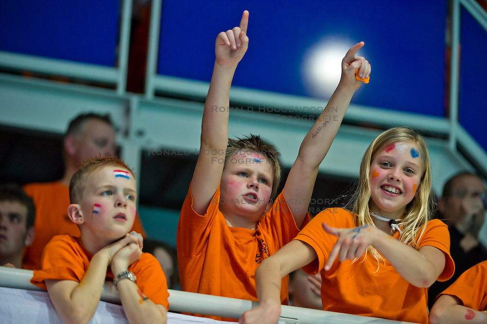21-01-2012 WATERPOLO: EC NETHERLANDS - TURKEY: EINDHOVEN<br /> European Championships Netherlands - Turkey / Fans spectators support<br /> (c)2012-FotoHoogendoorn.nl / Peter Schalk