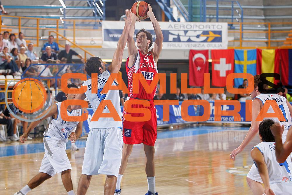 DESCRIZIONE : Gorizia U20 European Championship Men Qualifying Round Italy Croatia <br /> GIOCATORE : Tomic <br /> SQUADRA : Croatia <br /> EVENTO : Gorizia U20 European Championship Men Qualifying Round Italy Croatia Campionato Europeo Maschile Under 20 Qualificazioni Italia Croazia <br /> GARA : Italy Croatia <br /> DATA : 10/07/2007 <br /> CATEGORIA : Tiro <br /> SPORT : Pallacanestro <br /> AUTORE : Agenzia Ciamillo-Castoria/S.Silvestri <br /> Galleria : Europeo Under 20 <br /> Fotonotizia : Gorizia U20 European Championship Men Qualifying Round Italy Croatia <br /> Predefinita :