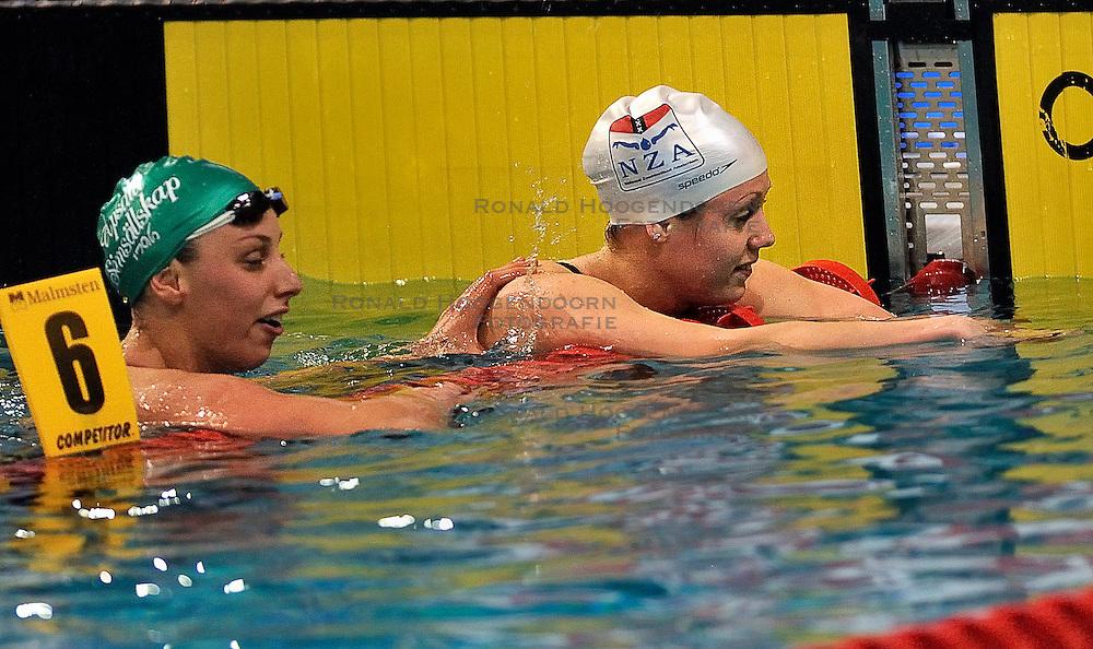07-04-2011 ZWEMMEN: SWIMCUP: EINDHOVEN<br /> Moniek Nijhuis, Jennie Johansson SWE<br /> &copy;2011 Ronald Hoogendoorn Photography