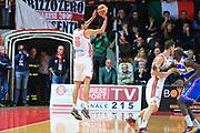 DESCRIZIONE : Varese Lega A 2012-13 Cimberio Varese Enel Brindisi <br /> GIOCATORE : Sabota Dusan<br /> CATEGORIA : Tre punti<br /> SQUADRA : Cimberio  Varese<br /> EVENTO : Campionato Lega A 2013-2014<br /> GARA : Cimberio Varese Enel Brindisi<br /> DATA : 17/11/2013<br /> SPORT : Pallacanestro <br /> AUTORE : Agenzia Ciamillo-Castoria/I.Mancini<br /> Galleria : Lega Basket A 2013-2014  <br /> Fotonotizia : Varese Lega A 2013-2014 Cimberio Varese Enel Brindisi<br /> Predefinita :