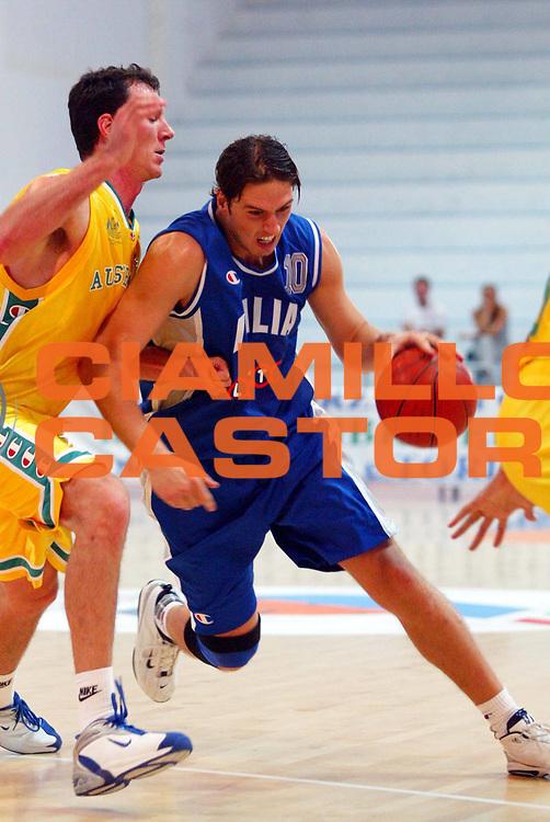 DESCRIZIONE : ROSETO PRE OLYMPIC BASKETBALL 2004 GIOCATORE : RIGHETTI SQUADRA : Nazionale Italia DATA : 2010-01-06CATEGORIA : SPORT :  AUTORE : AGENZIA CIAMILLO & CASTORIA/G.Ciamillo