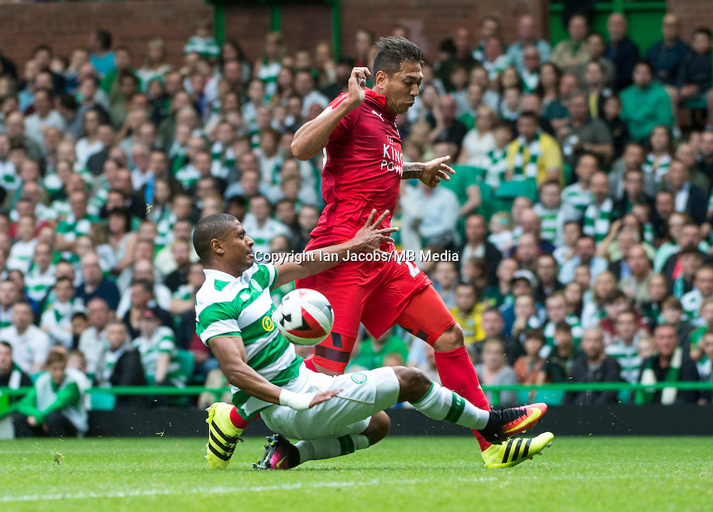 Football, International Champions Cup, Parkhead Stadium, Glasgow. Celtic v Leicester City. Leicester win 6-5 on penalties<br /> Pic shows: Leicester's Leo Ulloa and Celtic's Saidy Janko tussle for the ball.