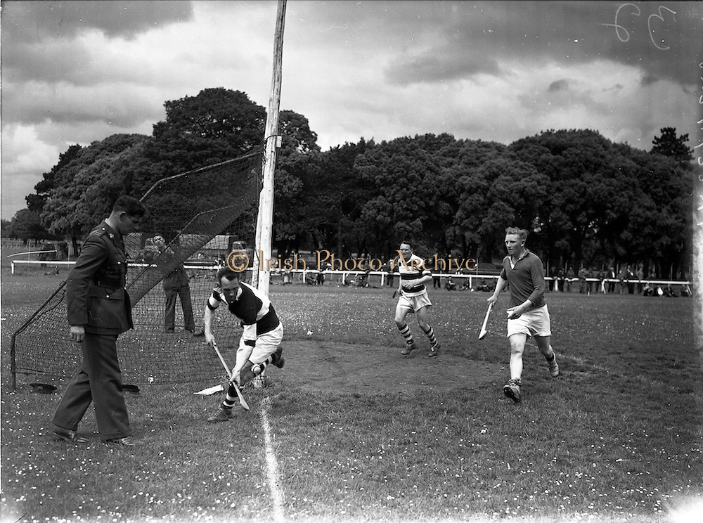 18/06/1958<br /> 06/18/1958<br /> 18 June 1958<br /> All Army Semi-Final: Eastern Command v Southern Command at Phoenix Park, Dublin.
