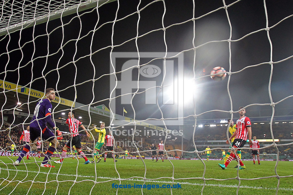 Steven Naismith of Norwich scores his sides 2nd goal during the third round of the FA Cup at Carrow Road, Norwich<br /> Picture by Paul Chesterton/Focus Images Ltd +44 7904 640267<br /> 07/01/2017