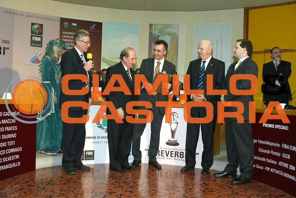 DESCRIZIONE : QUATTRO CASTELLA PREMIO REVERBERI 2005<br /> GIOCATORE : DALLARI - MONTORRO - PORTELA - VASSILAKOPULOS - BAUMANN <br /> SQUADRA : <br /> EVENTO : QUATTRO CASTELLA PREMIO REVERBERI 2005<br /> GARA : <br /> DATA : 21/02/2005<br /> CATEGORIA : <br /> SPORT : Pallacanestro<br /> AUTORE : Agenzia Ciamillo-Castoria