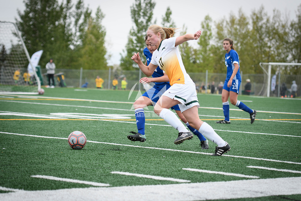 3rd year midfielder Jet Davies (17) of the Regina Cougars during the Women's Soccer Homeopener on September 16 at U of R Field. Credit: Arthur Ward/Arthur Images