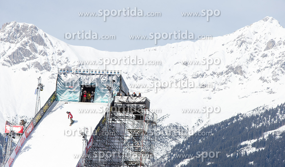 06.02.2016, Olympiaworld, Innsbruck, AUT, Air and Style, Innsbruck, im Bild Clemens Millauer (AUT) // Clemens Millauer of Austria during the Air & Style Snowboard Competition and Festival at the Olympiaworld in Innsbruck, Austria on 2016/02/06. EXPA Pictures © 2016, PhotoCredit: EXPA/ Jakob Gruber