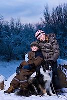 Eliot, Manon og Astró í Björnslundi við Norðlingaholt. Myndataka fyrir jólakortið 2007.