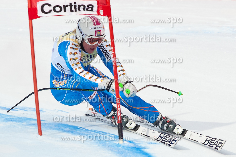21.01.2011, Tofana, Cortina d Ampezzo, ITA, FIS World Cup Ski Alpin, Lady, Cortina, SuperG, im Bild Anja Paerson (SWE, #12, Platz 2) // Anja Paerson (SWE, place 2) during FIS Ski Worldcup ladies SuperG at pista Tofana in Cortina d Ampezzo, Italy on 21/1/2011. EXPA Pictures © 2011, PhotoCredit: EXPA/ J. Groder