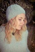 2012 Grey Sweater & Beanie - Jessie James Hollywood