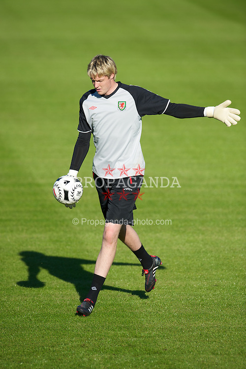 CARDIFF, WALES - Monday, August 30, 2010: Wales' goalkeeper Wayne Hennessey during training at the Vale of Glamorgan ahead of the UEFA Euro 2012 Qualifying Group 4 match against Montenegro. (Pic by David Rawcliffe/Propaganda)