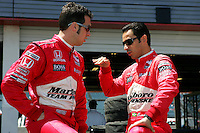 Helio Castroneves, Sam Hornish Jr., Indy Japan 300, Twin Ring Motegi, Motegi, Japan, 4/22/2006