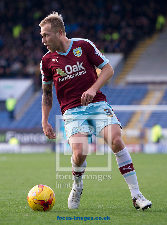 Scott Arfield of Burnley during the Sky Bet Championship match at Turf Moor, Burnley<br /> Picture by Russell Hart/Focus Images Ltd 07791 688 420<br /> 22/11/2015