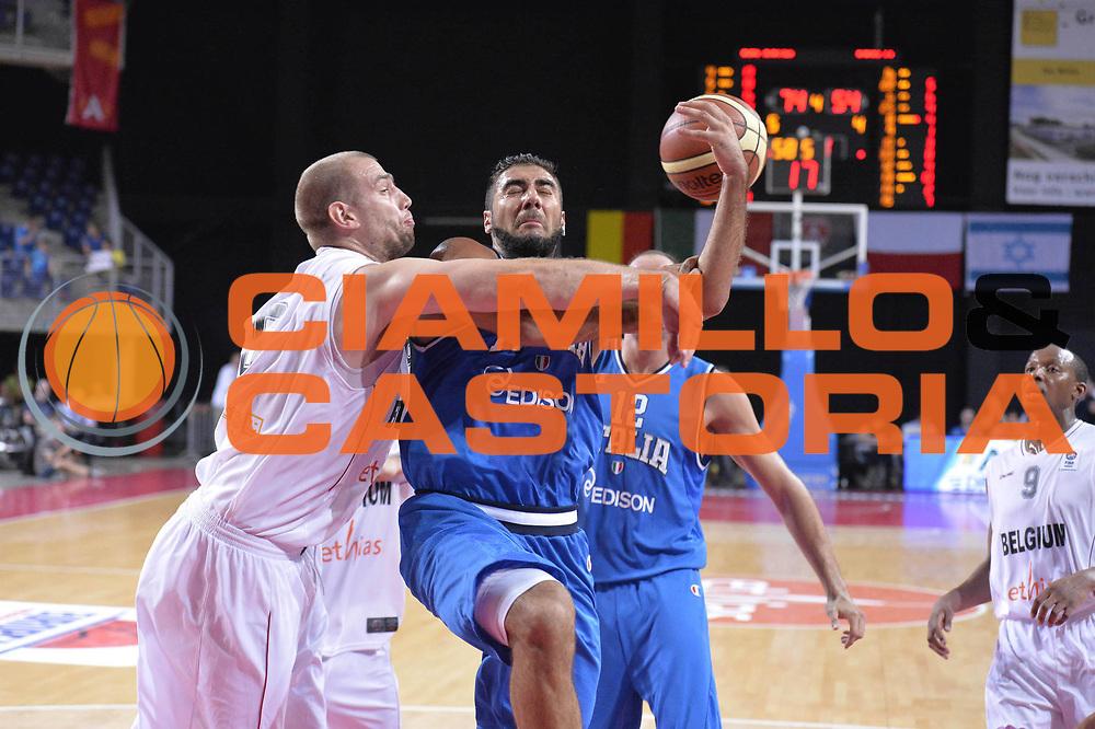 DESCRIZIONE : Anversa European Basketball Tour Antwerp 2013 Belgio Italia Belgium Italy<br /> GIOCATORE : Pietro Aradori<br /> CATEGORIA : penetrazione<br /> SQUADRA : Nazionale Italia Maschile Uomini<br /> EVENTO : European Basketball Tour Antwerp 2013 <br /> GARA : Belgio Italia Belgium Italy<br /> DATA : 17/08/2013<br /> SPORT : Pallacanestro<br /> AUTORE : Agenzia Ciamillo-Castoria/GiulioCiamillo<br /> Galleria : FIP Nazionali 2013<br /> Fotonotizia : Anversa European Basketball Tour Antwerp 2013 Belgio Italia Belgium Italy<br /> Predefinita :