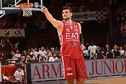 DESCRIZIONE :  Lega A 2014-15  EA7 Milano -Banco di Sardegna Sassari playoff Semifinale gara 5<br /> GIOCATORE : Gentile Alessandro<br /> CATEGORIA : Low Esultanza Mani <br /> SQUADRA : EA7 Milano<br /> EVENTO : PlayOff Semifinale gara 5<br /> GARA : EA7 Milano - Banco di Sardegna Sassari PlayOff Semifinale Gara 5<br /> DATA : 06/06/2015 <br /> SPORT : Pallacanestro <br /> AUTORE : Agenzia Ciamillo-Castoria/Richard Morgano<br /> Galleria : Lega Basket A 2014-2015 Fotonotizia : Milano Lega A 2014-15  EA7 Milano - Banco di Sardegna Sassari playoff Semifinale  gara 5<br /> Predefinita :