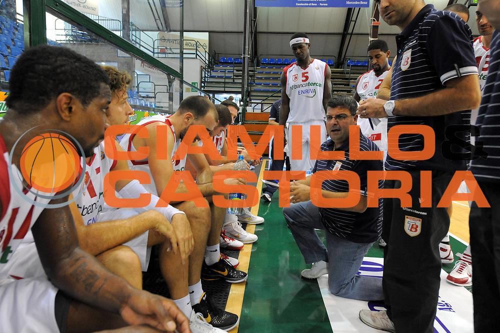 DESCRIZIONE : Ferrara Lega A 2011-2012 Torneo Naturhouse di Ferrara Precampionato Bancatercas Teramo Virtus Roma<br /> GIOCATORE : Alessandro Ramagli<br /> CATEGORIA : time out coach<br /> SQUADRA : Bancatercas Teramo<br /> EVENTO : Campionato Lega A 2011-2012<br /> GARA : Bancatercas Teramo Virtus Roma<br /> DATA : 25/09/2011<br /> SPORT : Pallacanestro<br /> AUTORE : Agenzia Ciamillo-Castoria/GiulioCiamillo<br /> GALLERIA : Lega Basket A 2011-2012<br /> FOTONOTIZIA : Ferrara Lega A 2011-2012 Torneo Naturhouse di Ferrara Precampionato Bancatercas Teramo Virtus Roma<br /> PREDEFINITA :
