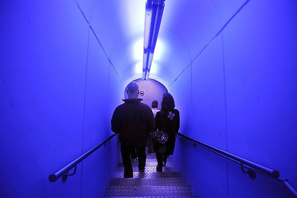 28-8-2010, Unna, DuitslandRuhrgebied, Voormalige bierbrouwerij is omgebouwd tot Lichtmuseum, centrum voor internationale lichtkunst, als onderdeel van de culturele hoofdstad van Europa, Ruhr 2010. Op de foto de toegang tot de vroegere bierkelders.Foto: Flip Franssen/Hollandse Hoogte