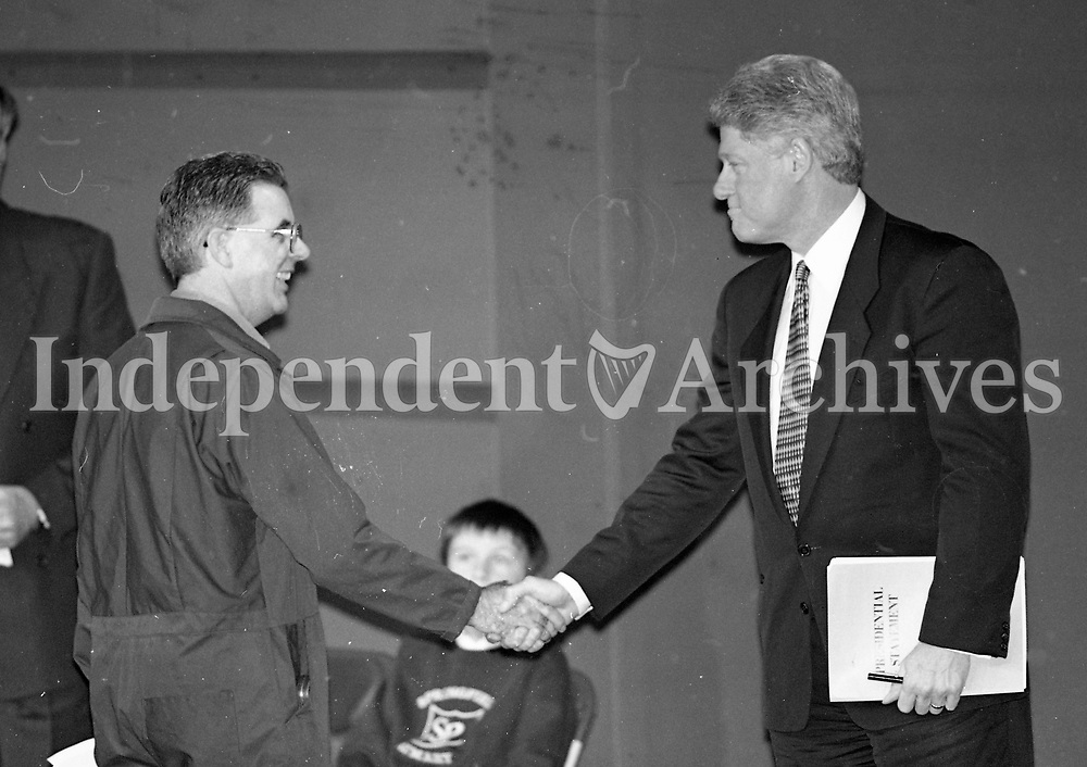 President Bill Clinton in Belfast during his visit to Ireland, 30/11/1995.<br /> (Part of the Independent Newspapers Ireland/NLI Collection).