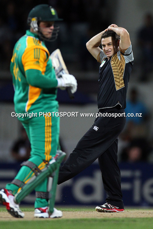 NZ's Nathan McCullum reacts. New Zealand Black Caps v South Africa, International Twenty-20 at Seddon Park, Hamilton, New Zealand. Sunday 19th February 2012. Photo: Anthony Au-Yeung/photosport.co.nz