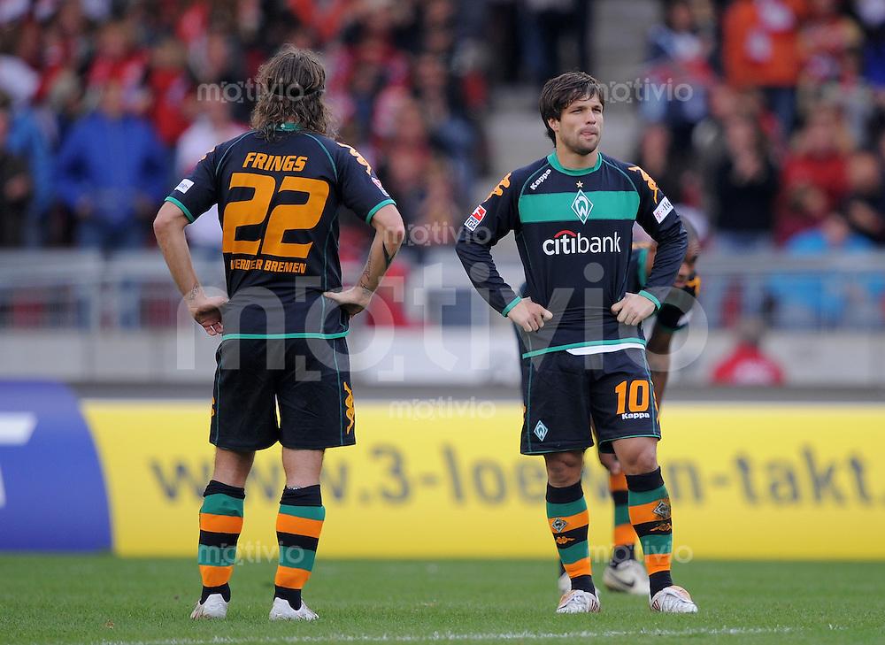 Fussball   1. Bundesliga   Saison 2008/2009    7.Spieltag   04.10.2008 VfB Stuttgart  -  SV Werder Bremen Enttaeuschung Werder:  Diego (re) und Torsten Frings