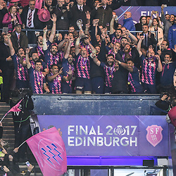 Captain Sergio Parisse of Stade Francais Paris lifts the trophy after his side win the European Challenge Cup Final match between Stade Francais Paris and Gloucester at Murrayfield Stadium on May 12, 2017 in Edinburgh, Scotland. (Photo by Dave Winter/Icon Sport)