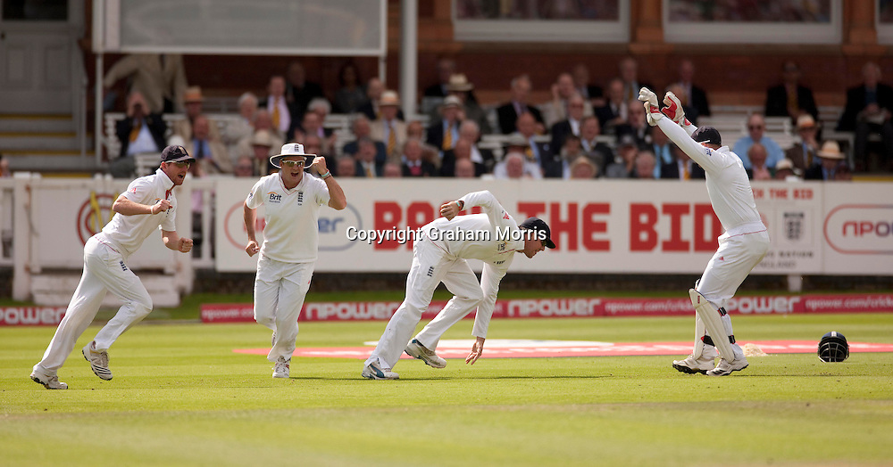 Graeme Swann (plus Paul Collingwood, wicket keeper Matt Prior and Andrew Strauss) catches Yasir Hameed off the bowling of Stuart Broad during the final npower Test Match between England and Pakistan at Lord's.  Photo: Graham Morris (Tel: +44(0)20 8969 4192 Email: sales@cricketpix.com) 28/08/10