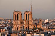 16 octobre 2012 : Vue de Notre-Dame de Paris depuis le clocher de l'&eacute;glise Saint-Germain-des-Pr&eacute;s. Paris (75), FRANCE.<br /> October 16, 2012 : Notre Dame de Paris  from the steeple of the church of Saint -Germain -des -Pr&eacute;s . Paris, France.