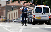 A man who seized four people in a bank in the southern French city of Toulouse has released one hostage, police say.Officials say the gunman first demanded money. When he was refused, a shot was fired and hostages taken.<br />