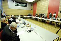23 JUN 2005, BERLIN/GERMANY:<br /> Uebersicht Sitzung zur Neukonstituierung des Nationalen Ethikrates, dbb-Forum<br /> IMAGE: 20050623-01-009<br /> KEYWORDS: Nationaler Ethikrat, Saal, Übersicht